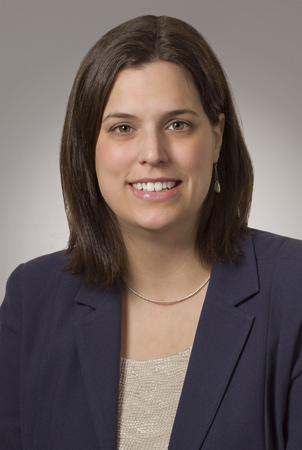 Natalie Kinsinger headshot